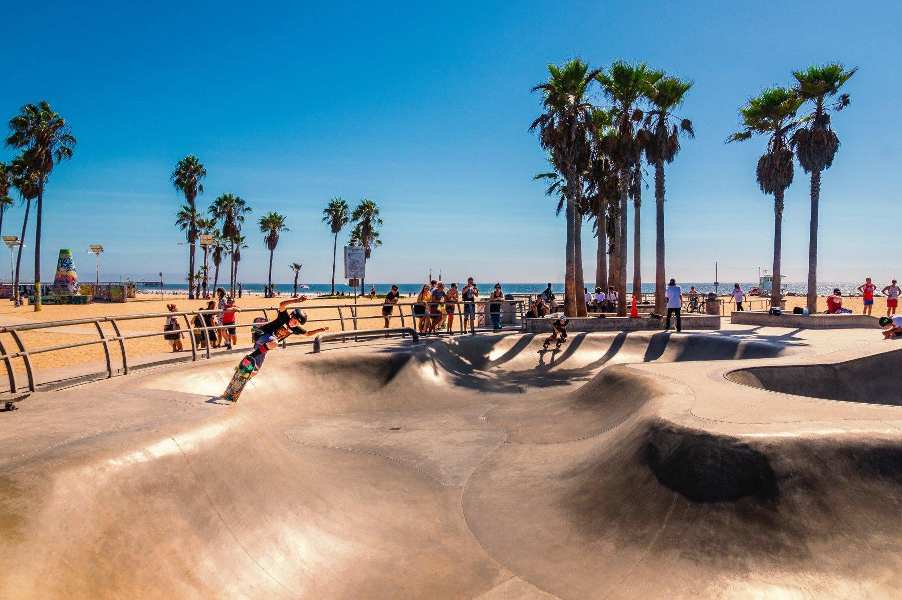 Спортивний тріп до Каліфорнії: огляд місцевих локацій для скейтбордингу, серфінгу та вейкбордингу