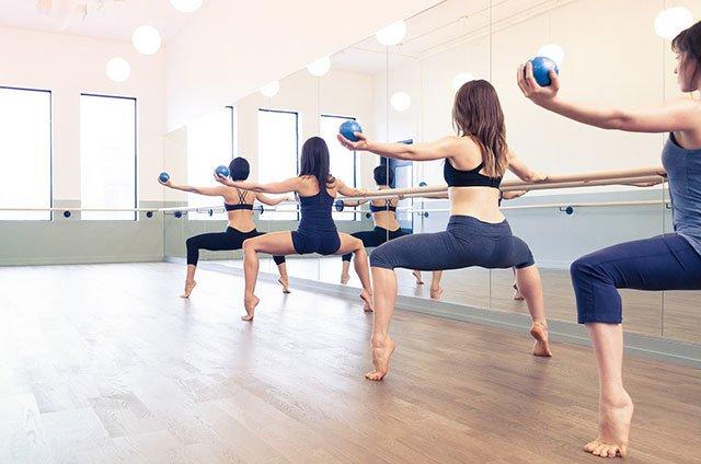 Спорт і балет: все, що потрібно знати про barre fitness