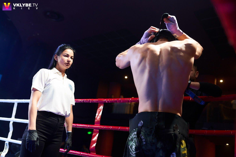 Женские бои, ММА и море адреналина: в Киеве состоялся 37-й вечер бокса Белых Воротничков