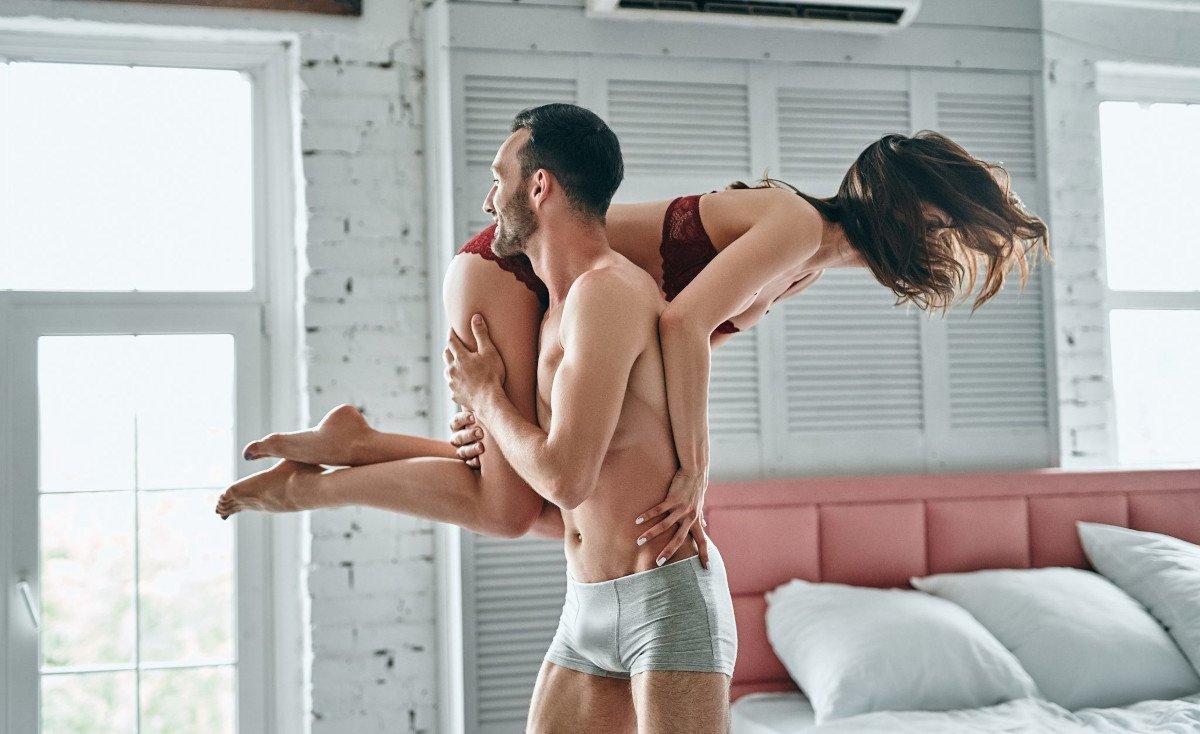 Як накачати м'язи під час сексу: 8 гарячих поз