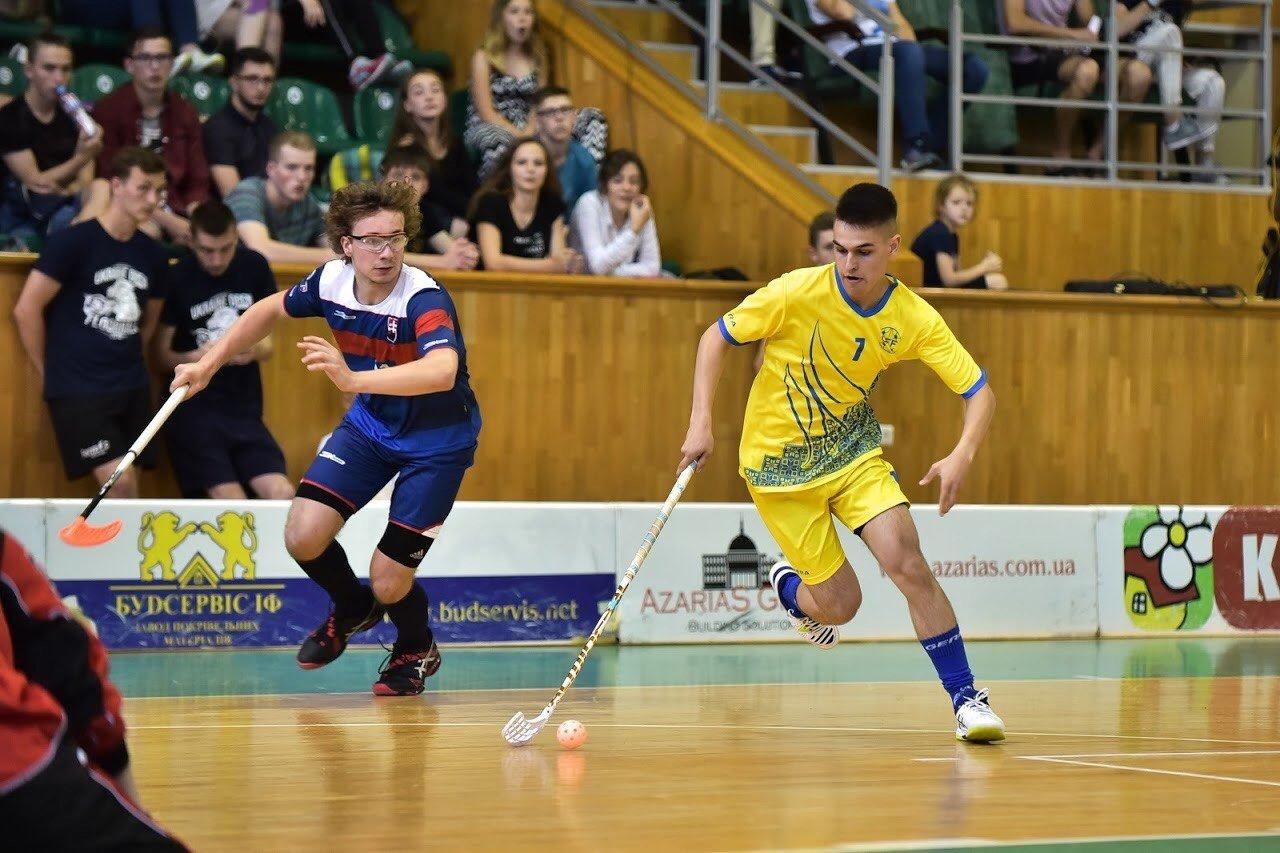 Флорбол: що це і як цей вид спорту розвивається в Україні