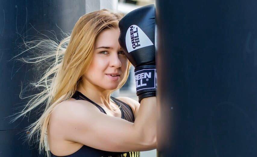 Как накачать руки в домашних условиях: комплекс упражнений от тренера Иванны Крупени