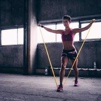 Эффективные упражнения с фитнес-резинками на разные группы мышц