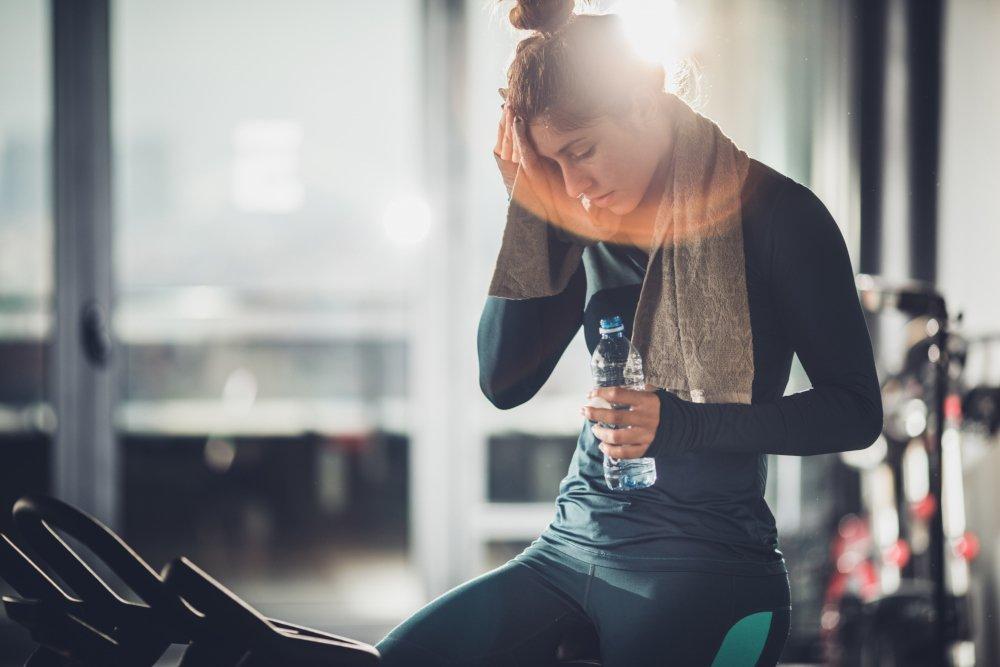 Почему болит голова после тренировки и что с этим делать