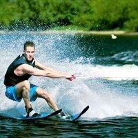 Где кататься на водных лыжах в Киеве: 6 локаций