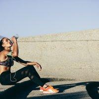Чи можна пити під час тренування: відповідають тренер і спортивний лікар