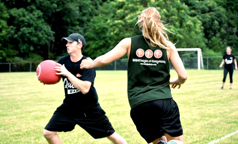 Что такое кикбол и как в него играть