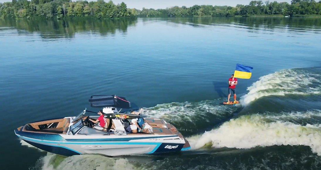 Рекорд до Дня Незалежності України: українські фойл-серфери підготували відповідь Марку Цукербергу
